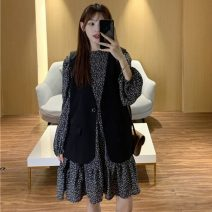 Dress Spring 2021 Decor skirt , Black vest S,M,L,XL,XXL,XXXL,XXXXL Short skirt Long sleeves commute Crew neck middle-waisted Decor Socket 18-24 years old Other / other Korean version 51% (inclusive) - 70% (inclusive)
