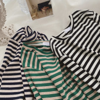 T-shirt Green, Navy, black and white M, L Spring 2021 Long sleeves Crew neck Straight cylinder have cash less than that is registered in the accounts routine commute other 31% (inclusive) - 50% (inclusive) 25-29 years old Korean version Thin horizontal stripe Other / other