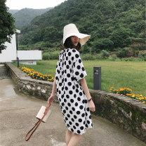 Dress Summer of 2018 Black and white M L Mid length dress singleton  Short sleeve commute Crew neck Loose waist Dot Socket other other Others 25-29 years old Type H zoqo Retro printing ZQ8022Z More than 95% cotton Cotton 95% polyester 5% Pure e-commerce (online only)