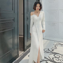 Dress / evening wear Weddings, adulthood parties, company annual meetings, daily appointments S M L XL white grace longuette middle-waisted Winter of 2019 Fall to the ground Single shoulder type zipper 26-35 years old Long sleeves Recalling spring and summer Polyester 100% 96% and above