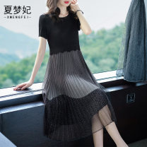 Dress Summer of 2019 black Average size Mid length dress Fake two pieces Short sleeve street Crew neck middle-waisted Solid color Socket Pleated skirt routine Others 35-39 years old Type A Pleated mesh More than 95% other polyester fiber Polyethylene terephthalate (polyester) 100% Europe and America