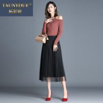 skirt Autumn 2020 Average size Black gray green coffee color card Mid length dress commute High waist Pleated skirt Solid color Type A 820MLYAS83 91% (inclusive) - 95% (inclusive) Taunydue / tonyton polyester fiber Korean version Other polyester 95% 5% Pure e-commerce (online only)