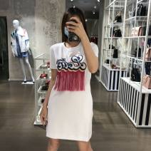 Dress Spring 2021 white 38,40,42,44,46 Middle-skirt singleton  Crew neck Loose waist Socket other routine 25-29 years old Type H MOSCHINO / MOSCHINO CZ1280764 More than 95% cotton