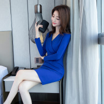 Dress Winter of 2018 blue S M L XL 2XL Short skirt singleton  Long sleeves commute V-neck High waist Solid color zipper One pace skirt routine 25-29 years old Zhiyu Korean version More than 95% polyester fiber Polyester 95% polyurethane elastic fiber (spandex) 5% Pure e-commerce (online only)