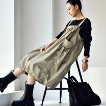 Dress Spring 2020 Khaki, black M, L Mid length dress singleton  Sleeveless commute square neck Loose waist Solid color Lantern skirt other straps 35-39 years old Type A Milan declaration Korean version Pleats, pockets, stitching Q1070C More than 95% cotton