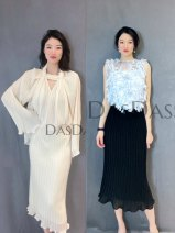 skirt Spring 2021 Xs, s, m, l, XXS custom sizes Off white spot, black spot, off white reservation, black reservation longuette commute High waist Pleated skirt Solid color Type A 25-29 years old More than 95% Chiffon polyester fiber fold Simplicity