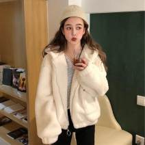 short coat Winter of 2018 Average size Long sleeves routine routine singleton  Straight cylinder commute routine Hood zipper Solid color 18-24 years old Other / other 96% and above zipper polyester fiber