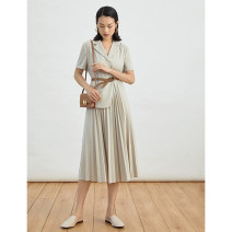 Dress Spring 2020 Clear water rice S,M,L Mid length dress singleton  Short sleeve commute tailored collar High waist Solid color Three buttons routine Others 25-29 years old Type A Impress Ol style LYQ2002010 51% (inclusive) - 70% (inclusive) other polyester fiber