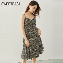 Dress Spring 2021 Black printing S M L XL Mid length dress singleton  Sleeveless commute V-neck High waist Broken flowers zipper A-line skirt routine camisole 25-29 years old Type A Sweet basil / Zishu Retro Lace D1FA11223 More than 95% polyester fiber Polyester 100% Pure e-commerce (online only)