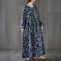 Dress Autumn 2020 Tibetan blue and white XL [100-150 kg], XL [140-185 kg] longuette Long sleeves commute Crew neck Loose waist Socket Big swing routine literature 51% (inclusive) - 70% (inclusive) cotton
