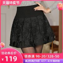 skirt Autumn of 2019 M L XL black Short skirt Versatile High waist Pleated skirt Solid color Type A HCR5530 More than 95% Lace Tshinelife / tshanelife polyester fiber Hollow lace Polyester 100% Pure e-commerce (online only)