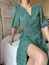 Dress Spring 2021 Green background S,M,L Mid length dress singleton  Short sleeve commute V-neck High waist Dot A-line skirt puff sleeve 25-29 years old Type A Muzimuli / muzimuli Retro 31% (inclusive) - 50% (inclusive)