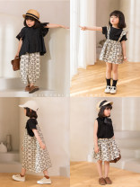 suit Other / other Black and white suspender skirt, black and white suspender skirt, black and white anti mosquito casual pants, knitted vest, black and white suspender skirt pre-sale, black and white anti mosquito casual pants pre-sale 18-24m, 2-3y, 3-4y (sweet wear), 4-5y, 5-6Y, 6-7y, 7-8y female