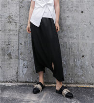 Casual pants black Average size Summer of 2018 Ninth pants Knickerbockers Natural waist original Thin money 18-24 years old 96% and above other Three dimensional cutting Asymmetry
