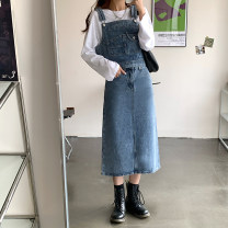 Fashion suit Autumn 2020 S,M,L Reminiscent blue denim vest, reminiscent blue skirt 18-25 years old 71% (inclusive) - 80% (inclusive)