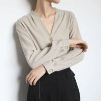 shirt Apricot, black, white, lotus root Average size Autumn of 2019 other 81% (inclusive) - 90% (inclusive) Long sleeves Versatile Regular V-neck routine Solid color