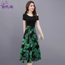 Dress Summer 2021 Green leaves and black flowers M L XL XXL Mid length dress singleton  Short sleeve commute Crew neck High waist Broken flowers Socket A-line skirt routine Others 25-29 years old Hangyi Pavilion Korean version Three dimensional decorative zipper printing with pleated lace up
