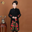 Middle aged and old women's wear Winter of 2018 Black red noble overcoat easy singleton  Decor 40-49 years old Cardigan thick stand collar Medium length routine Embroidery Wool, polyester 51% (inclusive) - 70% (inclusive) Single breasted
