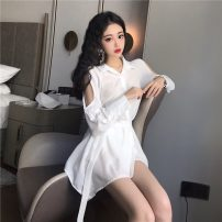shirt White, black Average size Spring 2021 other 31% (inclusive) - 50% (inclusive) Long sleeves commute Medium length Polo collar shirt sleeve Solid color 18-24 years old Korean version yw36