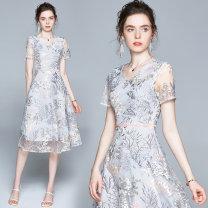 Dress Summer 2020 longuette singleton  Short sleeve V-neck zipper routine Embroidery