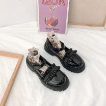 Low top shoes 35,36,37,38,39 Other / other Off white, black Round head PU Square heel Middle heel (3-5cm) Midmouth PU Autumn 2020 Velcro solar system Adhesive shoes Youth (18-40 years old), middle age (40-60 years old) Solid color rubber Single shoes PU daily Soft skin