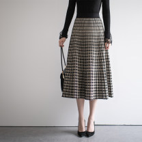 skirt Spring 2021 Average size Black, grey, black and white Mid length dress commute High waist Umbrella skirt lattice Type A 30-34 years old SOT140000 71% (inclusive) - 80% (inclusive) knitting Sottle / sotile Viscose Color contrast Korean version Viscose (viscose) 71.8% polyester 28.2%