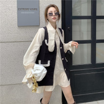 Fashion suit Spring 2021 Average size Apricot shirt, black vest, khaki vest 18-25 years old Other / other 96% and above