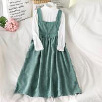 Fashion suit Autumn 2020 Average size White undershirt, green suspender skirt, black suspender skirt 18-25 years old 51% (inclusive) - 70% (inclusive)
