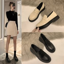 Low top shoes 35,36,37,38,39,40 Jia Bujia Black, boutique black, boutique off white, boutique half black, boutique half off white, upgraded black, upgraded beige, upgraded brown, beige, brown Round head PU Thick heel Middle heel (3-5cm) Shallow mouth PU Spring 2021 Trochanter Britain Adhesive shoes