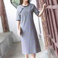 cheongsam Summer 2020 M (for net waistline 1-2.1 feet), l (for net waistline 2.2-2.4 feet), XL (for net waistline 2.5-2.6 feet) Off white, black and white check Short sleeve Single cheongsam literature Low slit daily Oblique lapel lattice Piping Yu Xiang cotton 96% and above