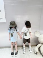Parent child fashion White short sleeve T-shirt in stock, pink short sleeve T-shirt in stock, Blue Short Sleeve T-Shirt in stock, white short sleeve dress in stock, pink short sleeve dress in stock, blue short sleeve dress in stock A family of three Female, male, neutral, versatile Other / other M, S
