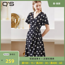 Dress Summer 2020 Black and white 155/XS 160/S 165/M 170/L Mid length dress singleton  Short sleeve commute V-neck High waist Dot other A-line skirt routine Others 25-29 years old Type A Q's / Caoxi Clasp More than 95% polyester fiber Polyester 100% Pure e-commerce (online only)