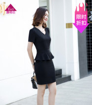 Dress Spring of 2018 Pleated black Mid length dress singleton  Short sleeve commute V-neck middle-waisted Solid color zipper One pace skirt shirt sleeve Others 30-34 years old Type H Ol style 31% (inclusive) - 50% (inclusive) brocade cotton