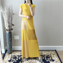 Dress Spring 2021 Yellow, rose, black, khaki, sapphire, dark gray, gray, pink, gray 1, black 1, yellow 1 Average size longuette singleton  Short sleeve commute Crew neck Loose waist Solid color Socket Pleated skirt routine Type A Retro fold polyester fiber