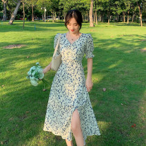 Dress Spring 2021 Blue dress with white background S,M,L longuette singleton  Short sleeve commute V-neck High waist Broken flowers Socket A-line skirt puff sleeve Others 18-24 years old Type A Korean version