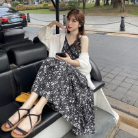 Dress Summer 2021 Black floral skirt piece, white sunscreen shirt piece, white jacket piece Average size longuette singleton  Short sleeve commute V-neck High waist Broken flowers Socket A-line skirt other camisole 18-24 years old Type A Korean version Lace 30% and below