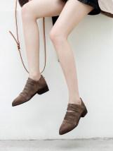 Boots 34 35 36 37 38 39 40 Khaki black Pig skin left upper Middle heel (3-5cm) Thick heel Pig skin Short tube Sharp point Pig skin Pig skin Back zipper