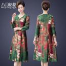 Middle aged and old women's wear Spring 2020 Green [203], rose purple [203], jujube red [203] L [90-115 Jin], XL [115-130 Jin], 2XL [130-140 Jin], 3XL [140-155 Jin], 4XL [155-165 Jin], 5XL [165-180 Jin] fashion Dress easy singleton  Flower and bird pattern 40-49 years old Socket thin V-neck routine