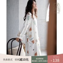 Nightdress Nidia white S M L XL Simplicity Long sleeves Leisure home Middle-skirt spring Cartoon animation youth V-neck cotton printing More than 95% pure cotton 200g Autumn 2020 Cotton 100% Pure e-commerce (online only)