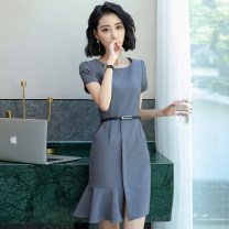 Dress Summer of 2018 Middle-skirt singleton  Short sleeve commute Crew neck middle-waisted Solid color zipper Irregular skirt other Others 30-34 years old Mrtteadis / Andy Mette Korean version Fold asymmetric zipper 51% (inclusive) - 70% (inclusive) polyester fiber Pure e-commerce (online only)