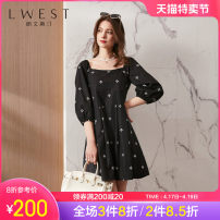 Dress Spring 2021 Black flowers S M L Middle-skirt singleton  three quarter sleeve commute square neck High waist Broken flowers Socket A-line skirt routine Others 25-29 years old L. West / longvinstein lady printing LDYL11507331 More than 95% cotton Cotton 100% Pure e-commerce (online only)