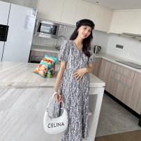 Dress AROOM White, black L,XL Korean version Short sleeve Medium length summer V-neck Decor Composite fabric N50-30