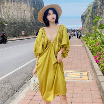Dress Summer 2021 golden S, M longuette singleton  Short sleeve Sweet V-neck Loose waist Solid color Socket A-line skirt Bat sleeve Others 18-24 years old Type A 31% (inclusive) - 50% (inclusive) Silk and satin polyester fiber Bohemia