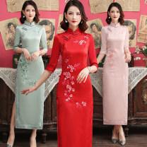 cheongsam Autumn 2021 S,M,L,XL,XXL,XXXL,4XL,5XL Red, pink, green three quarter sleeve long cheongsam Retro High slit daily Oblique lapel Decor 25-35 years old Piping silk 81% (inclusive) - 90% (inclusive)