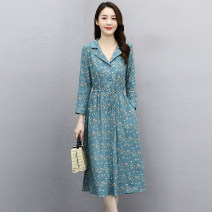 Dress Winter 2020 Tibetan blue and white, yellow and blue M L XL XXL Mid length dress singleton  three quarter sleeve commute Polo collar Elastic waist Broken flowers Socket A-line skirt routine Others 25-29 years old Type A Meng Jia Xian Yi Retro Pleated button printing MJQY21X-0113-06 More than 95%