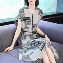 Women's large Summer of 2019 M L XL 2XL 3XL 4XL Dress singleton  commute Self cultivation moderate Socket Short sleeve Korean version V-neck Xinzhiyao 35-39 years old 96% and above Medium length Other 100% Pure e-commerce (online only) other