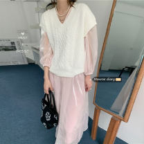 Fashion suit Summer 2021 Average size Pink gauze skirt, suspender skirt, white vest 18-25 years old 30% and below