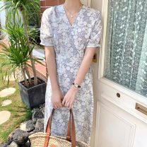 Dress Summer 2021 Gray, blue Average size Mid length dress singleton  Short sleeve commute V-neck Broken flowers Others 18-24 years old Korean version 71% (inclusive) - 80% (inclusive)