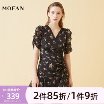 Dress Summer 2020 Black pattern S M L Short skirt other Short sleeve Sweet V-neck High waist Decor Socket Irregular skirt puff sleeve Others 25-29 years old MOFAN MDL069584 More than 95% other polyester fiber Polyester 98.9% metal coated fiber 1.1% Mori