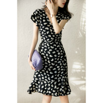 Dress Spring 2021 Love print S,M,L,XL Mid length dress singleton  Short sleeve commute V-neck Broken flowers Ruffle Skirt Flying sleeve Xiaohan Pavilion Ol style Stitching, printing QZP480083MG More than 95% other